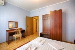 «ЛЮКС» 3-местный 2-комнатный